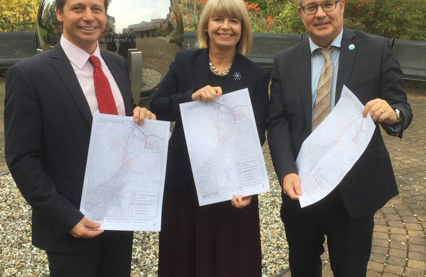 MPs Nigel Huddleston and Harriett Baldwin are briefed on the link road bid by Wychavon District Council's Phil Merrick.