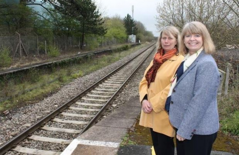 Harriett Baldwin MP  and Wychavon Leader Linda Robinson at Pershore Station